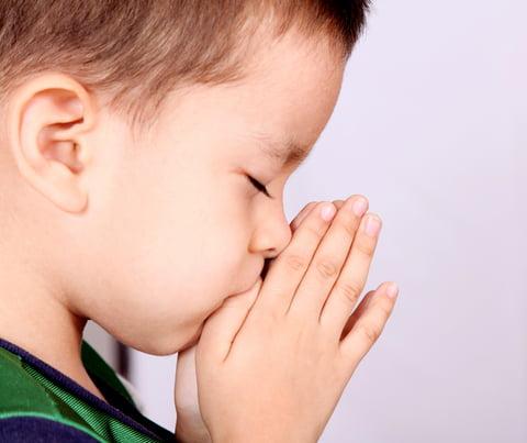 Ezért tanítsd gyerekeidet asztali áldást mondani!