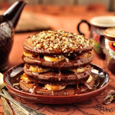 Csokis, mézes, banános és diós palacsinta