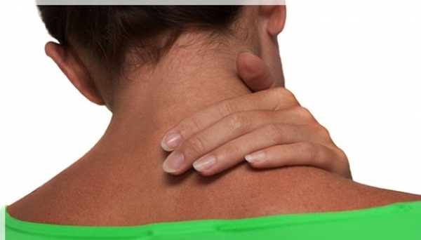 Nyaki spondilózis: mi okozza a visszatérő szédülést és zsibbadást?