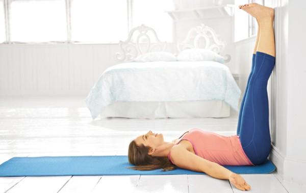 Végezd el minden nap lefekvés előtt! – 3 jógapozíció, amitől úgy fogunk aludni, mint a kisbabák