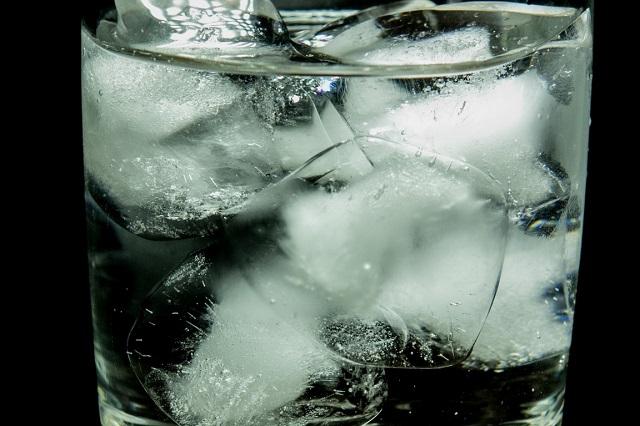 Miért jelenthet veszélyt egészségünkre a jeges víz?