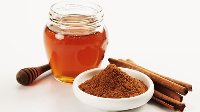 Ez az ital csodákra képes: Ez történik a szervezetünkkel, ha este mézes-fahéjas keveréket iszunk!