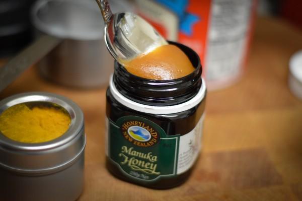Kezeljük a cukorbetegséget, a gyulladásos betegségeket, és előzzük meg a rákot Manuka mézzel!