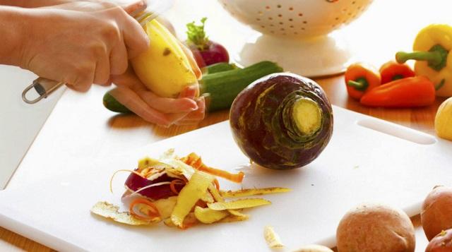 Mi történne, ha ezentúl nem hámoznánk meg a zöldségek és gyümölcsök héját?