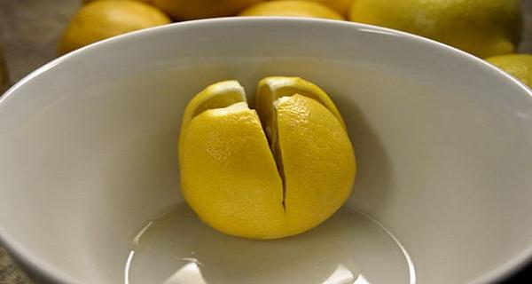 Vágj fel pár citromot, és rakd az ágyad melle a hálószobába! Nézd meg miért!