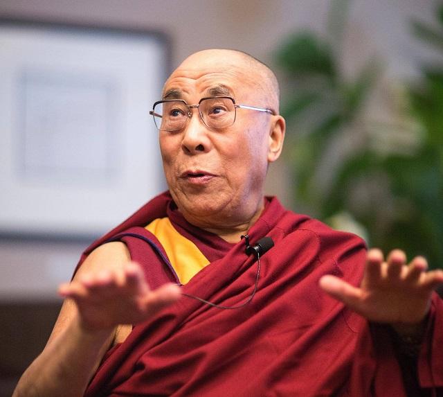 A Dalai Láma elárulja, hogy mi az a 10 módszer, amellyel megfékezhetjük az energiavámpírok ártó hatását!