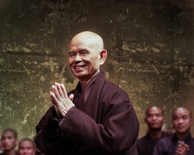 Reménység az emberiségben – Ez történik, amikor egy katona találkozik egy szerzetessel!