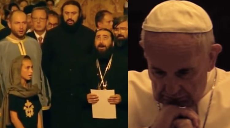 Könnyeivel küzd Ferenc pápa, mialatt a kórus az elhunyt szír menekültekért énekeli a Miatyánkot!