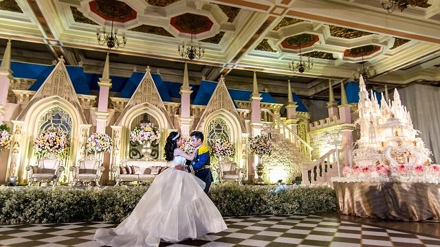 Soha életedben nem láttál ilyen esküvőt, minden olyan, akár egy Disney-rajzfilmben! – VIDEÓ