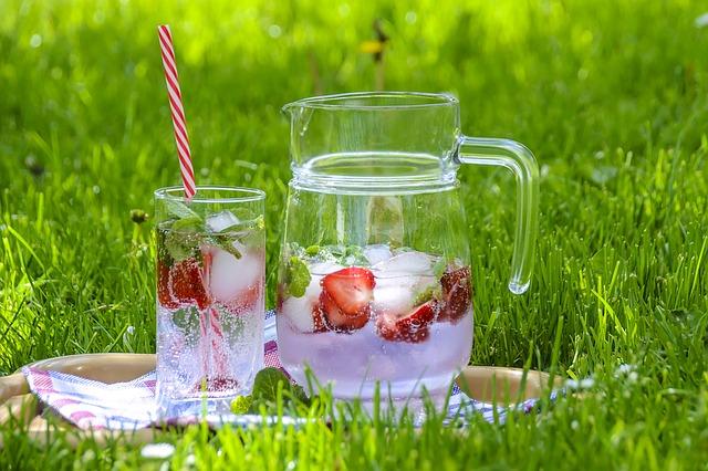 Vitaminos víz – nagyszerű megoldás a forró napokra