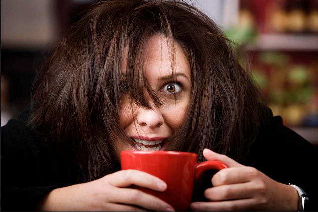 A koffeintúladagolás 5 tünete, amit nem szabad figyelmen kívül hagyni!