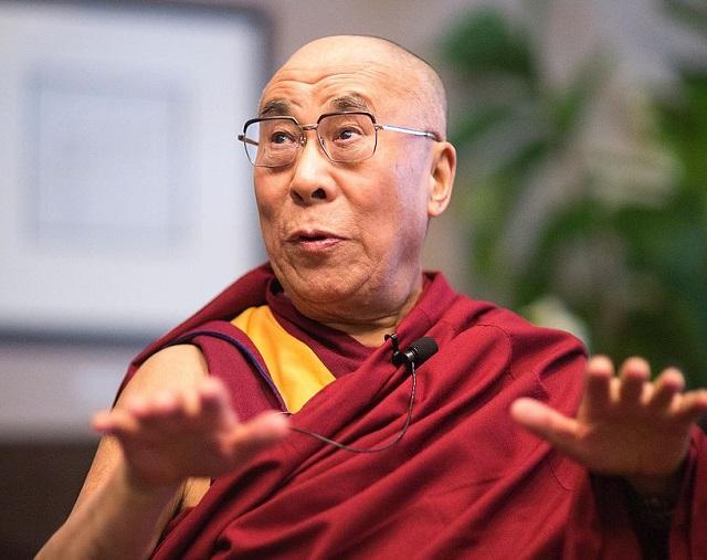 """""""Mindannyiunknak szüksége van arra, hogy valakinek szüksége legyen ránk"""" – A Dalai Láma elárulja, miért él annyi boldogtalan ember a világon!"""