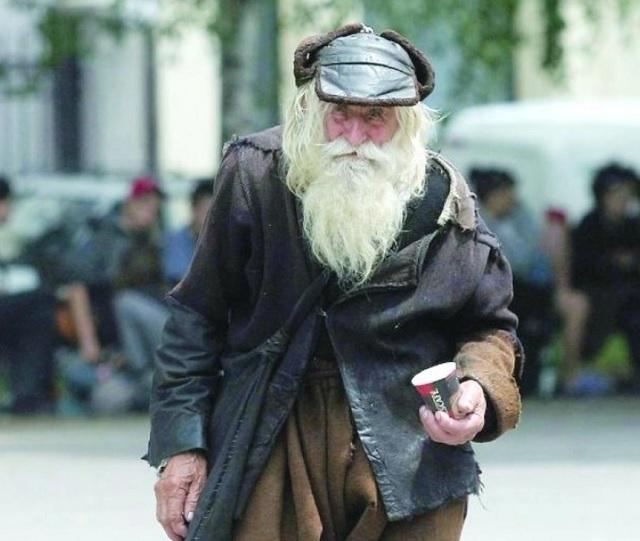 A 103 éves koldus minden nap pénzért koldult az utcán, de mindezt különös célért tette