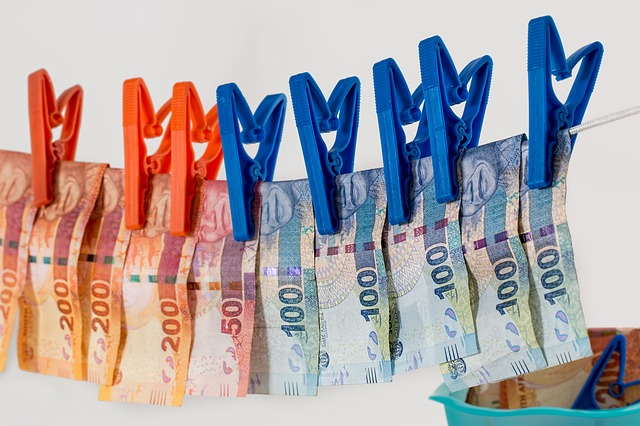 Tartsd be ezt a 10 alapszabályt, ha gazdag emberré akarsz válni!