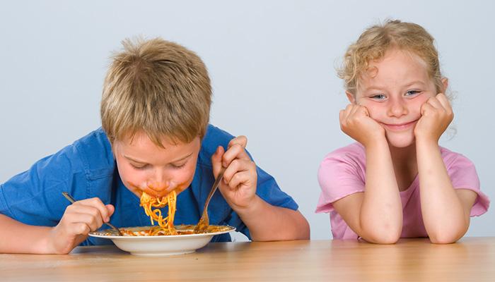 7 illemszabály, amit minden szülőnek meg kellene tanítania a gyerekének