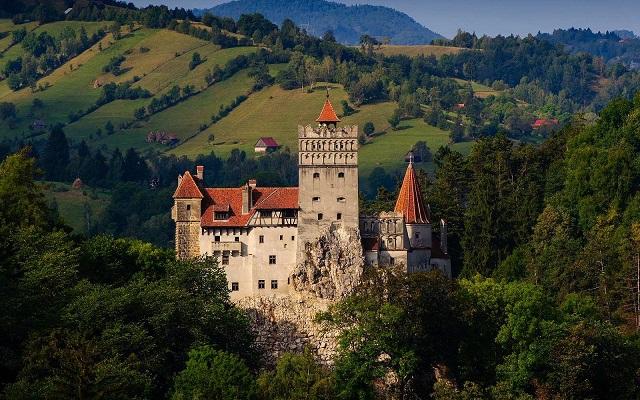 Európa 20. legszebb kastélya közé sorolták az erdélyi Törcsvári-kastélyt!