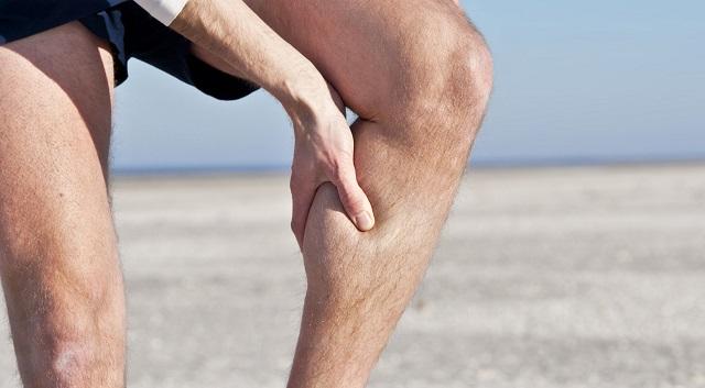 Te is gyakran ébredsz arra, hogy görcsöl a lábad? Ezt akkor tudnod kell!