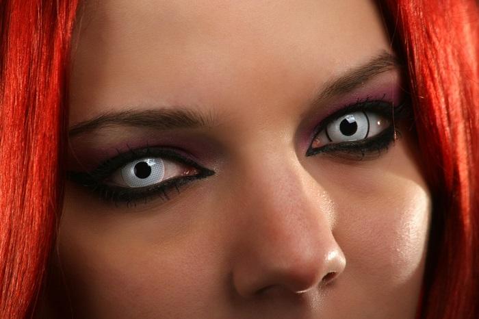 Ezért nem szabad ijesztő kontaktlencsét viselned Halloweenkor