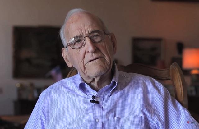 95 évesen vonult nyugdíjba a 100 éves sebész, aki 50 éve vegán étrendet követ