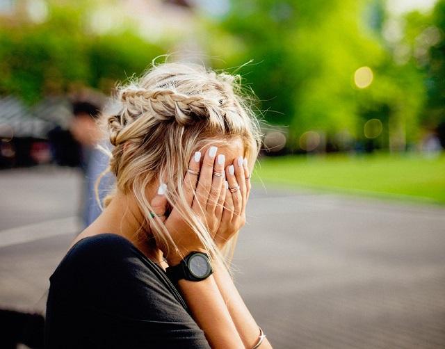 Szociológusok 8 tanácsa, amivel kibontakoztathatsz egy szégyenlős, visszahúzódó embert