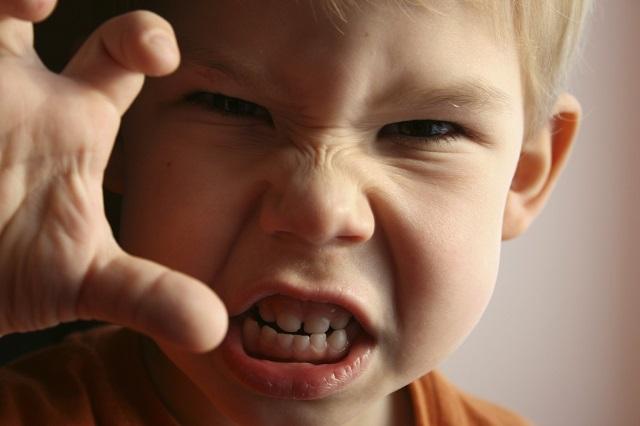 Így nyugtass le pillanatok alatt egy dühös gyereket!