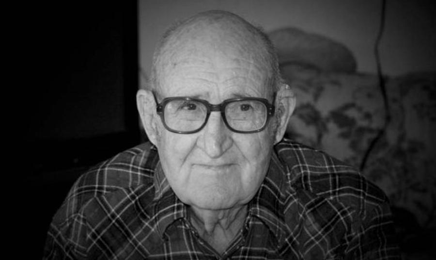 Egy férfi idősek otthonába vitte beteg édesapját. Hazatérve, 5 éves fia feladta neki a leckét