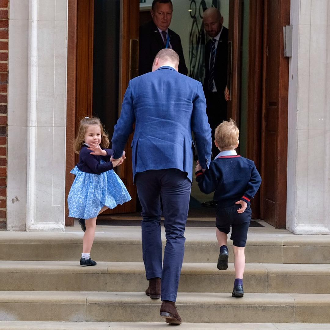 A brit királyi család protokollszakértője szerint ezek azok a dolgok, melyet gyermekünknek 10 éves kora előtt meg kell tanítanunk!