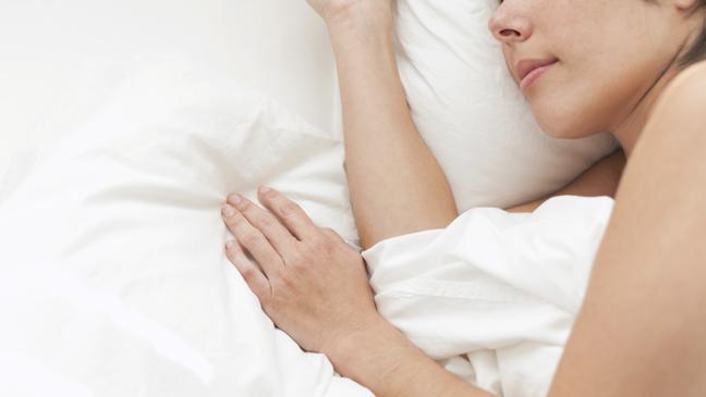 El fogod égetni a pizsamádat, ha elolvasod ezt a cikket! 8 ok, hogy minden éjjel meztelenül aludj!