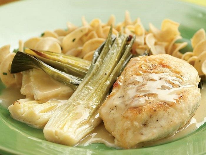 Póréhagymás tejfölös csirke! Ha egyszer megkóstolod, soha nem fogod elfelejteni!