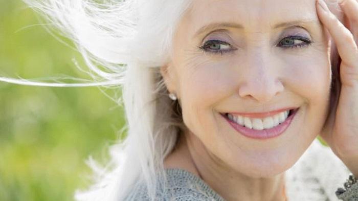50 éves kor felett meglepő változások vannak egy nő életében, amit 90%-a nem is tud. Néhányan még meglepődnek...