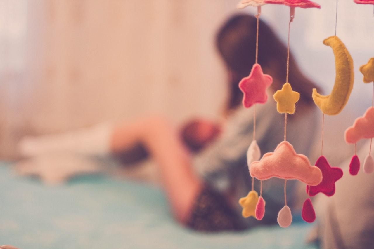 A szoptatás előnyei: Ezért érdemes minden csecsemőt anyatejjel táplálni!