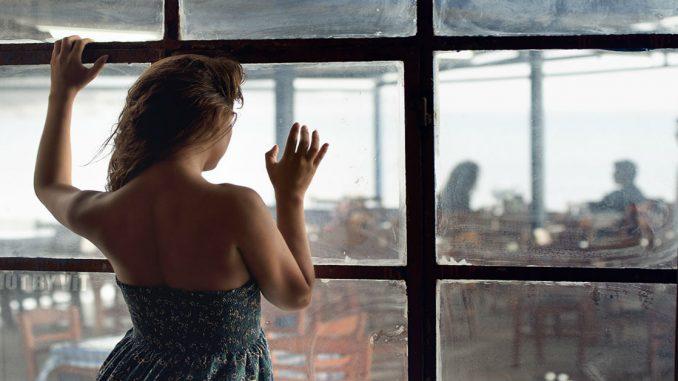 Így jöhetsz rá, ha valaki féltékeny rád – avagy a féltékenység 8 jele!