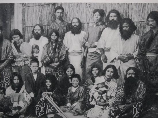 Egyetlen, ismert emberi fajhoz sem tartoznak a Tibetben élő Dropa és Ham törzs tagjai! Akkor kik ők valójában?