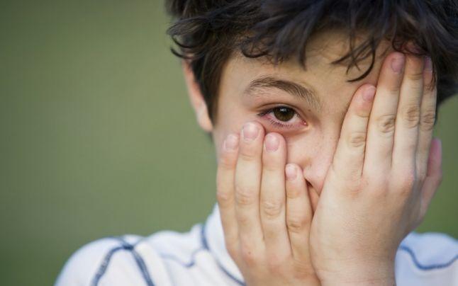 Az okostelefonok használata komoly viselkedési problémákat okozhat a gyerekeknél!
