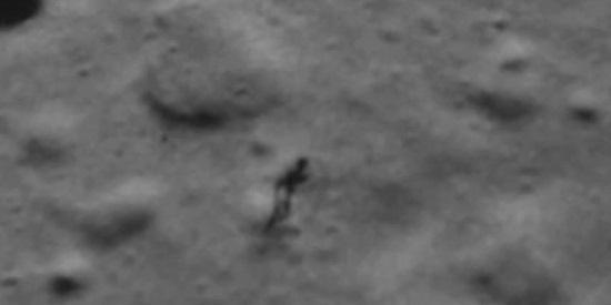 Földönkívülit és annak árnyékát örökítette meg a NASA a Holdon?