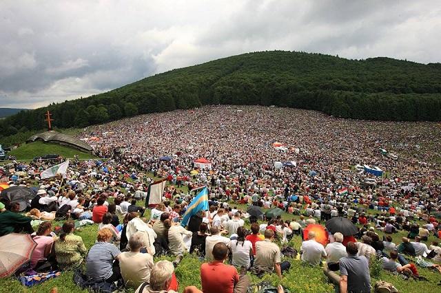 Így szólt százezrek ajkáról a magyar himnusz Csíksomlyón! – VIDEÓ