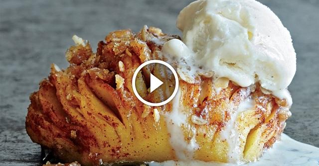 Megtisztít 2 almát, majd pár perc múlva ilyen nagyszerű desszertet készít el! – VIDEÓ