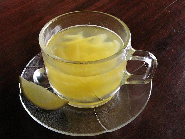 Nem győzzük hangsúlyozni: a citromos langyos víz csodákra képes!