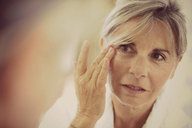 Így károsítja az arcbőrt a sok stressz!