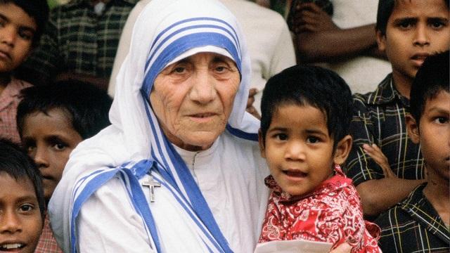 10 értékes életbölcsesség a csodálatraméltó Teréz Anyától!