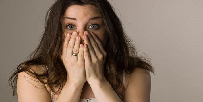 Bőrgyógyászok listája arról a 10 dologról, melyeket soha ne kenj az arcodra!