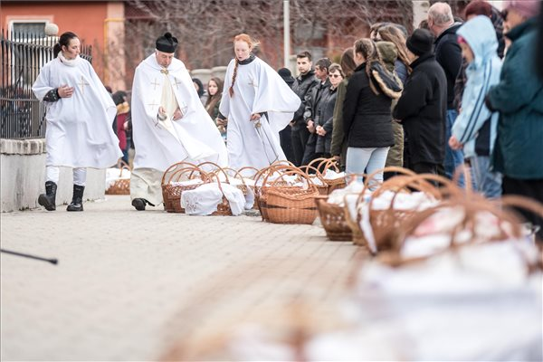 Ahol még mindig szent a betevő falat! Kárpát-medence legnagyobb ételszentelése
