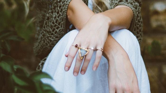 Ezeket az értékes információkat árulja el rólad a gyűrű, amit viselsz - az is fontos, hogy melyik ujjadon viseled