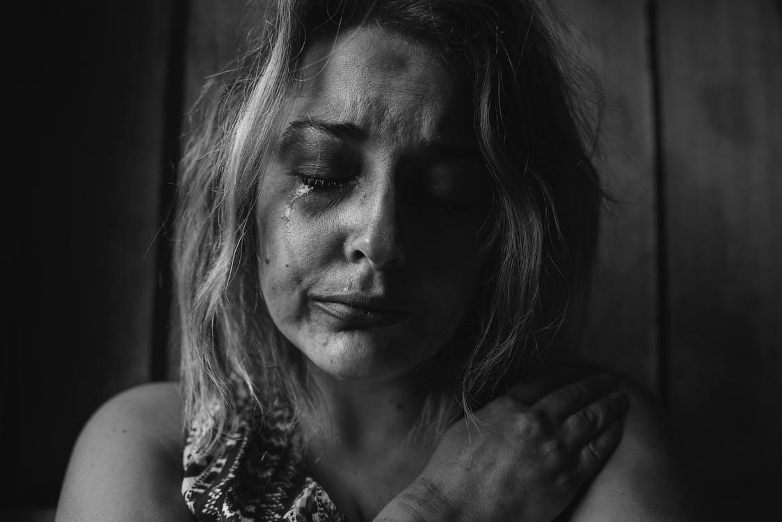 A nőket érintő depresszió 9 tünete, amire nagyon oda kell figyelni!