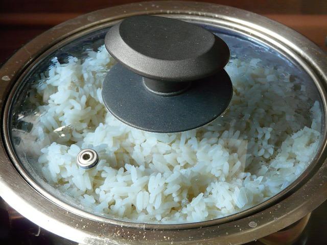 Ezzel a trükkel örökre búcsút inthetsz a ragadós, szétfőtt és kásaszerű főtt rizsnek!