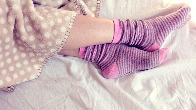 Ezért aludj rizzsel teli zoknival a lábadon a fülledt nyári éjszakákon!