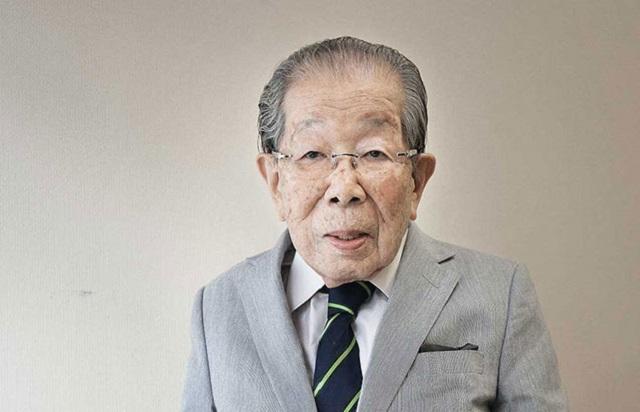 """A 105 évesen elhunyt japán orvos tanácsai: """"Hölgyeim, hagyjanak fel a diétával, és örüljenek többet"""""""