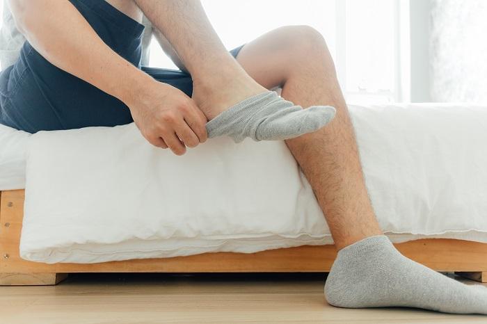 Állandóan hidegek a lábaid? Ez lehet az oka!