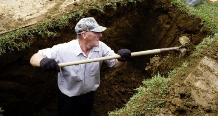 Ezért ássák a sírgödröket 2 méter mélyre