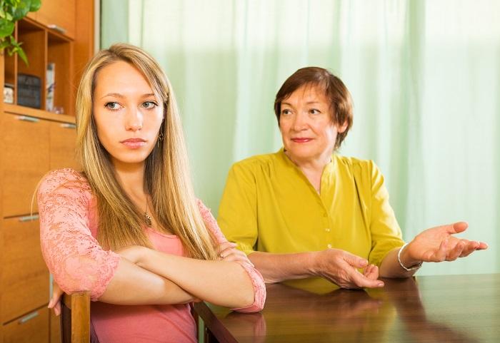 Gyerekkorodban veled is sokat kötekedett az édesanyád? Ha igen, nagyobb eséllyel válik belőled sikeres nő!